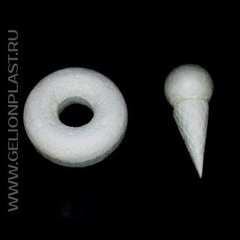 Мороженое в вафельном рожке и пончик